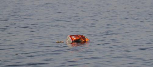 Descarte inadequado leva plástico aos oceanos