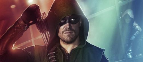 Oliver Queen nelle vesti di Arrow