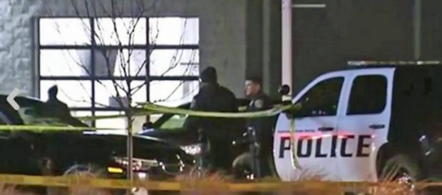 La polizia sul luogo della sparatoria in Michigan