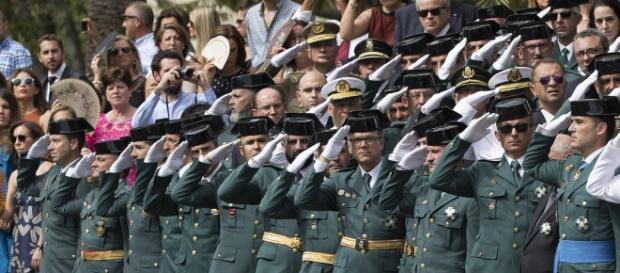 Oficiales de la Guardia Civil de España