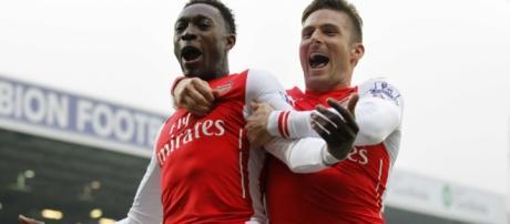 Welbeck e Giroud, atacantes do Arsenal