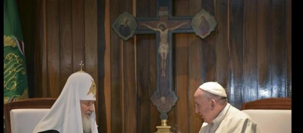 Il Patriarca Kirill e Papa Francesco a L'Avana