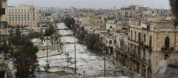 La città di Aleppo devastata dai bombardamenti