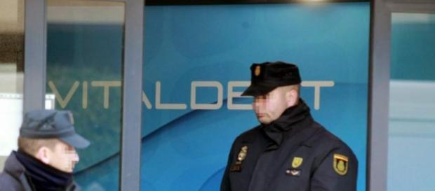 La policía detiene a directivos de Vitaldent