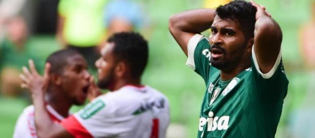 Palmeiras perde em sua arena na quarta rodada