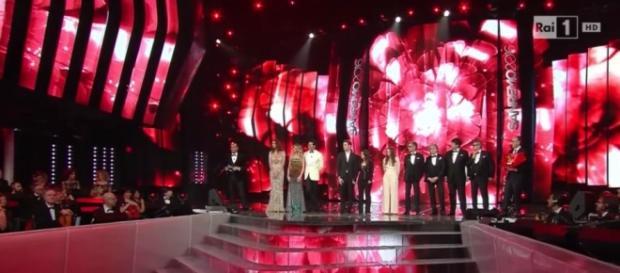 Sanremo 2016, i finalisti sul palco