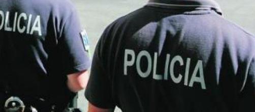 A polícia sempre pela ordem e pela pátria