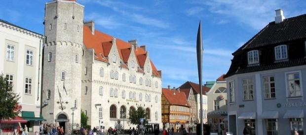 Aalborg fica na região norte da Dinamarca