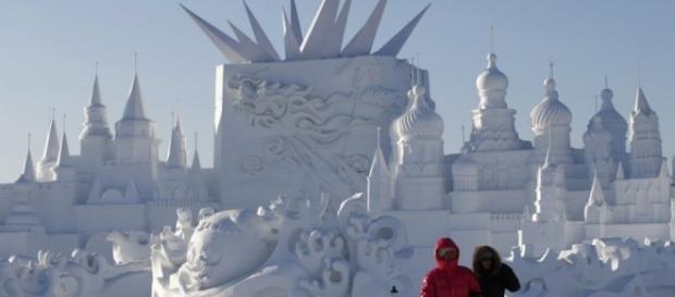 Esculturas de gelo deixam a cidade mais bela
