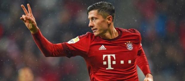 Robert Lewandowski strzelił 2 gole Augsburgowi