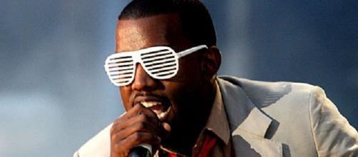 Musica, Kanye West choc sommerso dai debiti