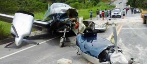 Pouso forçado de aeronave em rodovia em SP