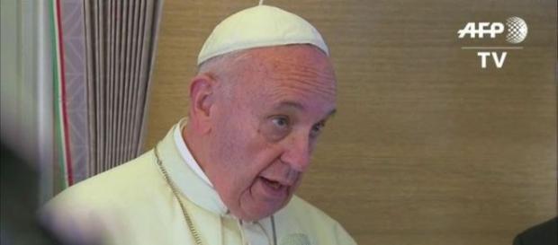 Papelón mundial de Macri: el Papa defiende a Sala