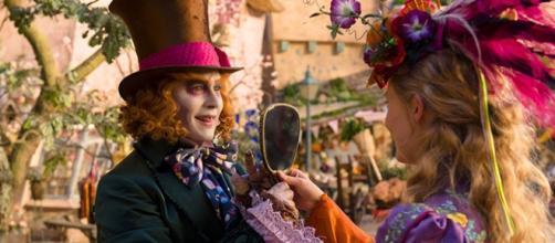 Cartel con Alicia y El sombrerero loco