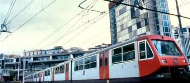Bacoli treno deraglia dai binari