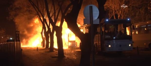 Explozie la Ankara în apropierea Parlamentului