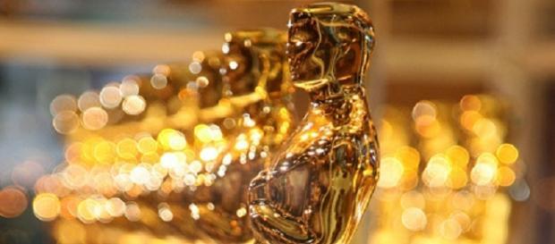 La estatuilla dorada de los premios Oscar