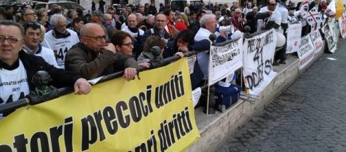 Riforma pensioni 2016 lavoratori precoci in piazza