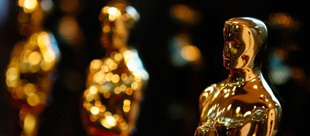 Óscar 2016 - estatuetas ilustrativas