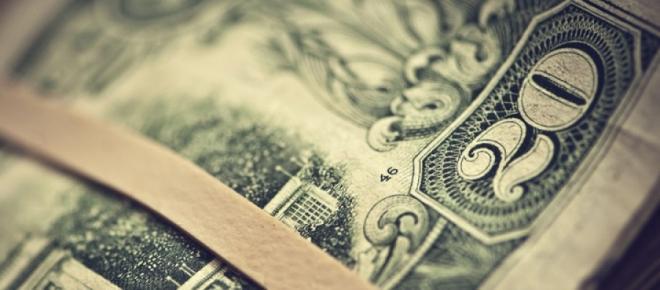 La invisible mano del mercado devalúa el peso un 60%