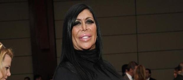 Big Ang loses battle with cancer.