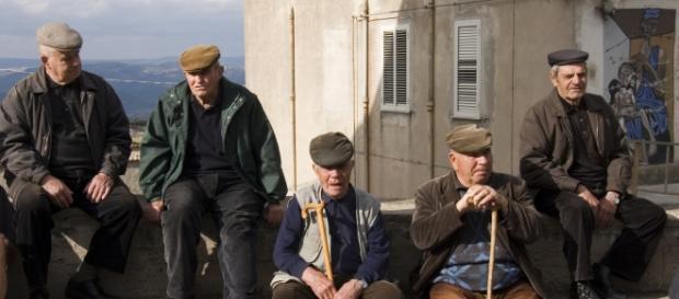 La popolazione italiana invecchia anno dopo anno