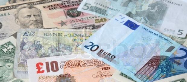 Principalele valute care intră în România