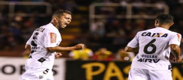 Rafael Carioca fez um golaço na vitória do Galo