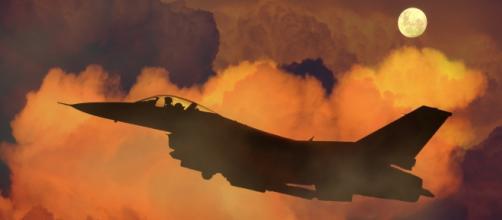 Avión de guerra, www.pixabay.com