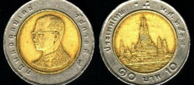 I 10 baht thailandesi spacciati per 2 euro