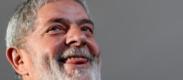 Tríplex de Lula é comparado a imóvel popular