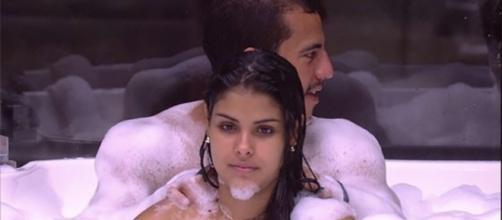 Globo não mostrou massagem (Reprodução)