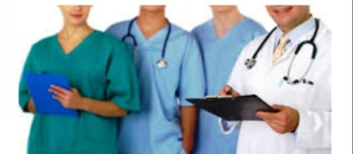Lavorare come infermiere, ecco i bandi disponibili