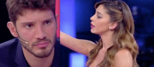 Stefano vs Belen in tv a Pequenos Gigantes.