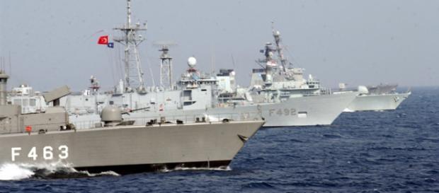 Nave NATO patrulează în Marea Egee