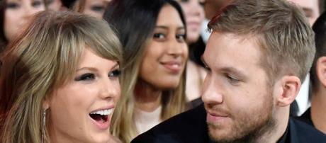 Calvin Harris difende la sua Taylor.