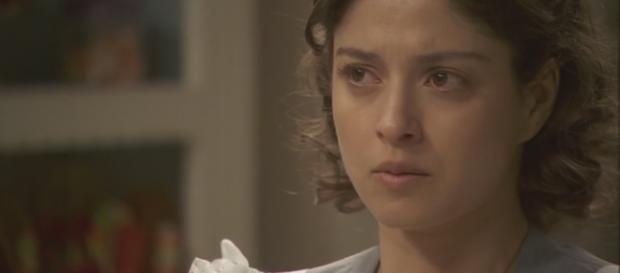 Il Segreto puntata del 25-02, Candela aggredita