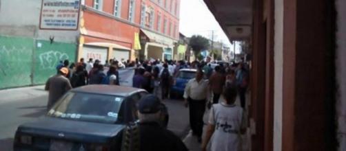 Estudiantes y habitantes de Texcoco se manifiestan