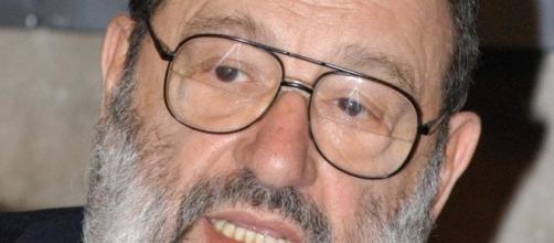 In foto il grande semiologo Umberto Eco