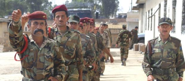 Temuţii luptători kurzi Peshmerga