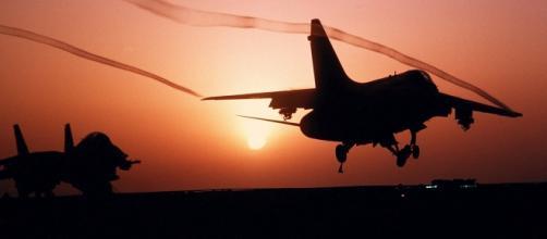Aviones militares en la zona de conflicto