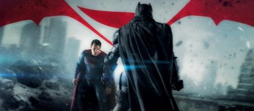 'Batman v Superman: Dawn of Justice' en un mes