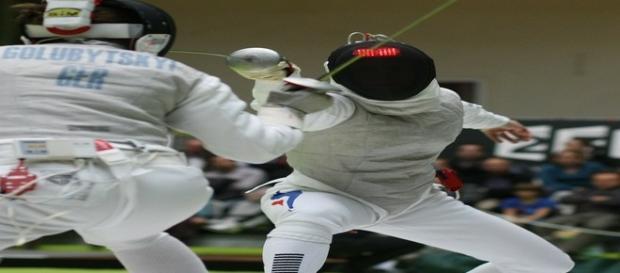 Os atletas usam proteções para evitar acidentes