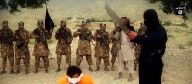 Scenele sângeroase promovate de ISIS