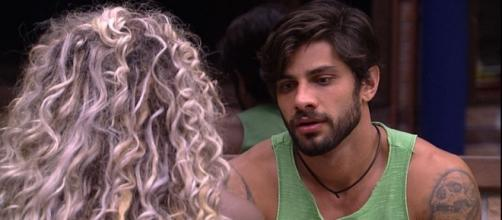 Adélia desabafa com Renan sobre Ana Paula