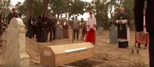 Il Segreto, il funerale di Gonzalo