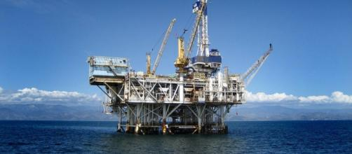 Petrobrás domina tecnologia para explorar pré-sal.