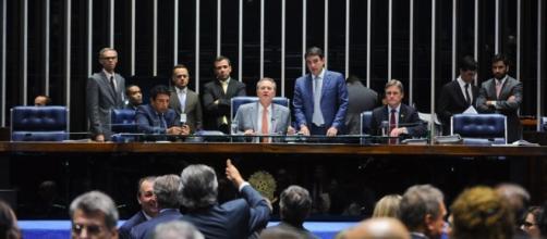 Projeto de Jose Serra divide opiniões no Senado