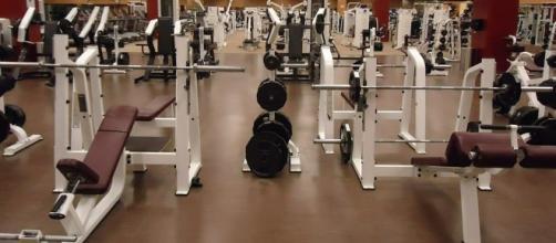 Standard weight room (Pixabay)