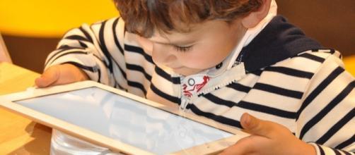 Tablet e smartphone, la tecnologia ci fa stupidi